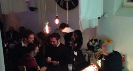 Idee in Gabbia zona bar.Marketing e strategie di comunicazione su misura per affermare il tuo brand.